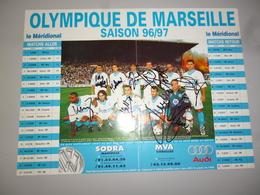 POSTER COLLECTOR 20  FOOT FOOTBALL OM OLYMPIQUE DE MARSEILLE  38 X 28 CMS DEDICACES - Football