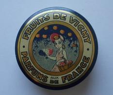 Boite Métal. FRUITS DE VICHY - - Boxes