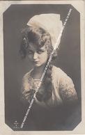 CARTE PHOTO POSTES MILITAIRES 1921 PETITE JOLIE DEMOISELLE DE PLANCENOIT / DESTINATION FERMIERE EN CHEF RUE DE LA BACHEE - Lasne