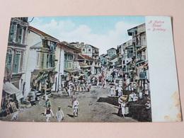 A NATIVE STREET In BOMBAY ( 56330 ) Anno 19?? ( Zie Foto's ) ! - India