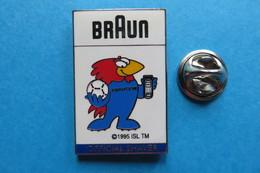 Pin's,France 98,BRAUN,Official Shaver,World Cup,sponsoring,football,Fussball WM,Mascotte - Football