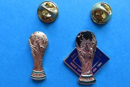 Lot De 2 Pin's,football, Cup, Pokal, Fifa - Football