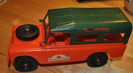 Rare Lande Rover East Safarie En Plastique MarqueGP Italie 1/21 - Toy Memorabilia