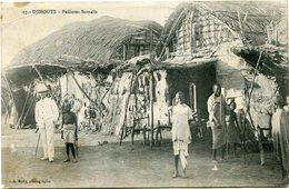 COTE FRANCAISE DES SOMALIS CARTE POSTALE DE DJIBOUTI -PAILLOTES SOMALIS DEPART DJIBOUTI 1 AVR 1915 POUR LA FRANCE - Côte Française Des Somalis (1894-1967)