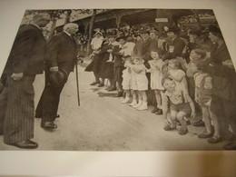 AFFICHE PHOTO  MARECHAL PETAIN ET LA FETE DES MERES A VICHY 1943 - 1939-45