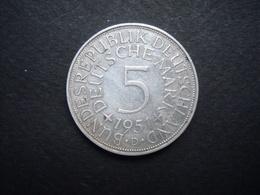 ALLEMAGNE  = UNE PIECE  DE 5 MARK 1951 D  EN ARGENT - [ 6] 1949-1990 : RDA - Rép. Démo. Allemande