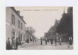 En Berry. Thaumiers. Grande Rue Et Place De L'Eglise. Façade D'hôtel. Personnages. (3037) - Thaumiers