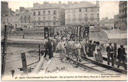 44 NANTES - Après L'écroulement Du Pont Maudit - Vue Perspective Du Pont Henry (pose De La Ligne Des Tramways) - Nantes