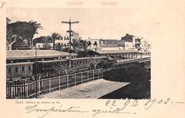 ¤¤   -  EGYPTE   -  SUEZ    -  Station Du Chemin De Fer   -  Train En Gare   -  ¤¤ - Suez