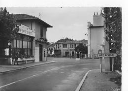 """1 CPSM HD Modèle : La Teste-de-Buch : """"Café Des Sports"""". Centre Ville, Route De Bordeaux - Autres Communes"""