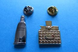 Lot De 2 Pin's,Parfum, Flacons - Perfume