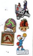Pin's Lot De 5 VOLLEYBALL: 3 Clubs ( PUC, MJC NARBONNE, VALFRAMBERT ) + 1 Ffvb Jeunes 92 + 1 Autre  LOT N° 6 - Volleyball