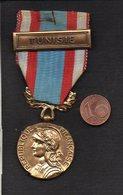 """Militaria / France / AFN Médaille Commémorative Opérations Sécurité Et Maintien De L'Ordre """" Tunisie """" - France"""