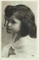 Carte Photo Petite Fille Portrait - Enfant - Portraits