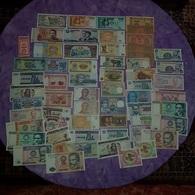 """61 Billets Du Monde Tous Différents / """"R001"""" - Coins & Banknotes"""