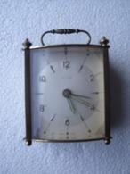 UN REVEIL DE VOYAGE  BAYARD - Alarm Clocks