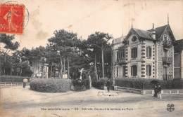 CPA, Royan 17200 En Charente-Maritime Le Train Decauville Sortant Du Parc - Royan