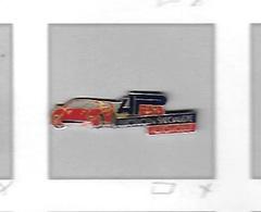 Pin's  Automobile  FERRARI  Rouge  Sur  Publicité  APESA  Electricien  Spécialiste  Automobile - Ferrari