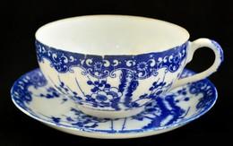 Kínai Kék Virágmintás Porcelán Teás Csésze + Alj, Jelzett, Csésze Fülén Hajszálrepedéssel - Ceramics & Pottery