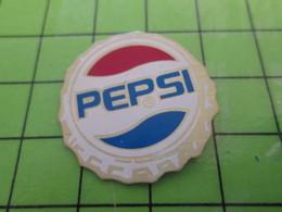 812d Pin's Pins / Beau Et Rare : Thème BOISSONS / PEPSI C'est Le Coca-Cola Des Jeunes .... - Coca-Cola