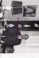 87 - LIMOGES - PORTRAIT ANDRE RAYNAUD M. BARON-PORCELAINE- PORCELAINES- PHOTOS ORIGINALES CLAUDE LACAN - Persone Identificate