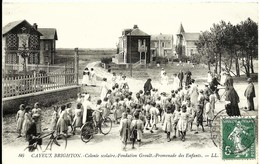 CPA CAYEUX BRIGHTON  Colonie Scolaire , Fondation Groult , Promenade Des Enfants , Vue Très Animée - Cayeux Sur Mer