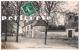 18  Lere  Place Du Champ De Foire - Lere