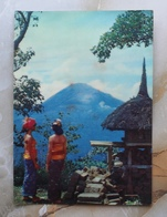 #10-INDONESIA POSTCARD 1970s 3D CARD(TOP STEREO), LANDCAPE AT GUNUNG BATUR, BALI - Indonesia