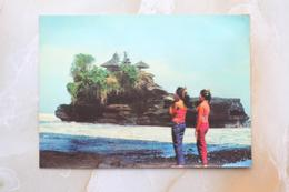 #16-INDONESIA POSTCARD 1970s 3D CARD(TOP STEREO), TANAH LOT BEACH, BALI - Indonesia