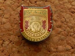 Pin's -   SAPEURS POMPIERS  - ISSENHEIM -  HAUT RHIN - Firemen