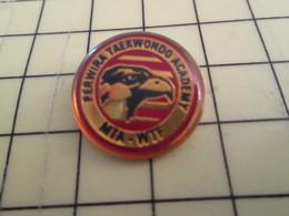 1515c Pin's Pins / Beau Et Rare : Thème SPORTS / TETE D'AIGLE PERWIRA TAEKWONDO ACADEMY MTA - WTF - Badges