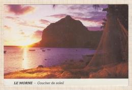8AK1687LE MORNE COUCHER DE SOLEIL  2 SCANS - Mauritius