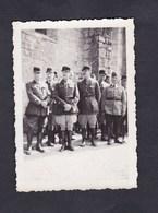 Photo Originale Guerre 39-45 Groupe De Militaires Gradés à Espondeilhan Herault Aout 1940 - Guerre, Militaire
