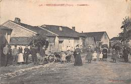 88 - Gugnécourt - La Grande-Rue Subtilement Animée - Other Municipalities