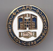 Pin's APG Amicale Policiers Guyancourt  Réf 4534 - Police