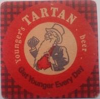 Posavasos Cerveza Tartan. Younger's. Brown Ale. Newcastle. Reino Unido. Años '70 - Portavasos