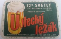 Etiqueta Cerveza Ustecky Lezak. Sladoven. Praga. República Checa. Años '90 - Beer
