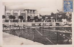 CPSM Andernos-les-Bains - Le Bassin Et Les Cafés Pris De La Jetée (avec Animation) - Andernos-les-Bains