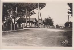 CPSM Grand-Piquey-Plage - Avenue Du Débarcadère - Francia
