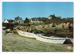 Les Iles CHAUSEY --La Maison Marin-Marie Et L'église - Altri Comuni