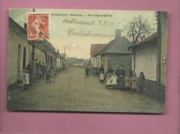 CPA Décollée  - Hallencourt  -(Somme) - Rue Saint Denis - France