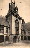 18 - BOURGES - Quartier Auger - Infanterie - En L'étatPalais Jacques-Coeur - Porte D'entrée, Côté De La Chapelle - Bourges