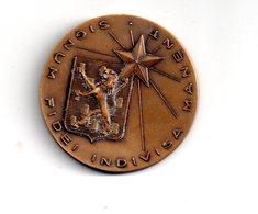 Médaille : Ecole Saint Joseph Auxerre - Cent Cinquantenaire - Voir état - France