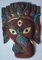 ETHNOLOGIE - NEPAL - HINDOUISME - GANESH - CUIVRE - OS ET PERLES DE COULEUR - ARTISANAT - Asian Art