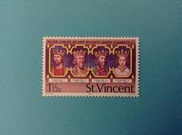 1977 ST. VINCENT FRANCOBOLLO NUOVO STAMP NEW MNH** SILVER JUBILEE OF HER MAJESTY QUEEN ELIZABETH II 1 1/2c - St.Vincent (1979-...)