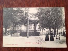 Troyes Jardin Du Rocher. - Troyes