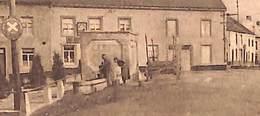 Rosée - Rue De La Poste (animée, Attelage, Fontaine, Au Bon Marché(?)..rare) - Florennes