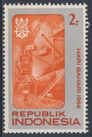 Indonesia Indonesie 1966 Mi 545 Sc 692 ** Quayside - Maritime Day / Verladung Im Hafen - Tag Der Seefahrt - Indonesië