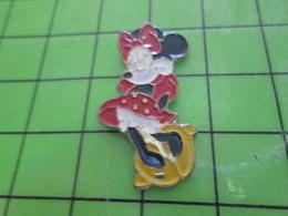 """116B Pin's Pins / Rare Et De Belle Qualité !!! THEME : DISNEY / MICKEY DEGUISE EN """"FEMME"""" POUR LA GAY-PRIDE ? - Disney"""