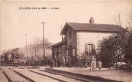 91 - ESSONNE / 911130 - Courcelles Par Gif - La Gare - Train - Beau Cliché - France